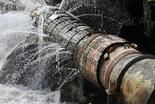 burst water pipe perth